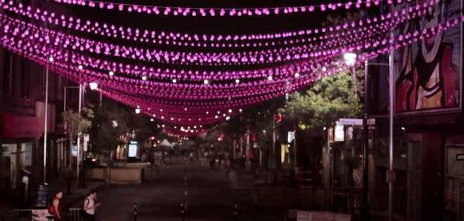 Film Vidéo Village Boules roses