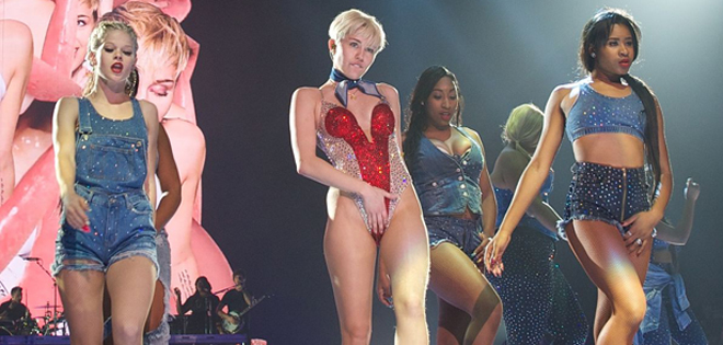1280px-Miley_Cyrus_performing01_in_Vancouver_2014_Twitter